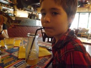 avis restaurant enfant 300x225 - avis-restaurant-enfant