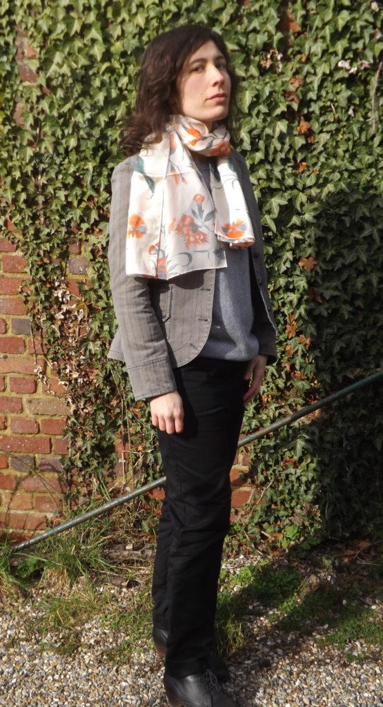 foulard en soie brochier 555x1024 - Foulards en soie, l'élégance made in France