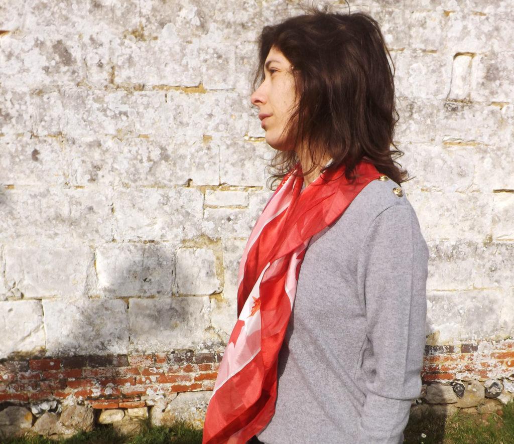 foulard soie fleurs 1024x885 - Foulards en soie, l'élégance made in France