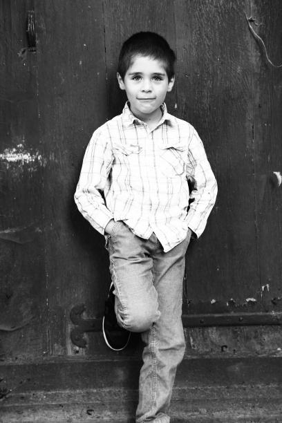 photo enfant noir et blanc photographe - Shooting photo en famille à Amiens