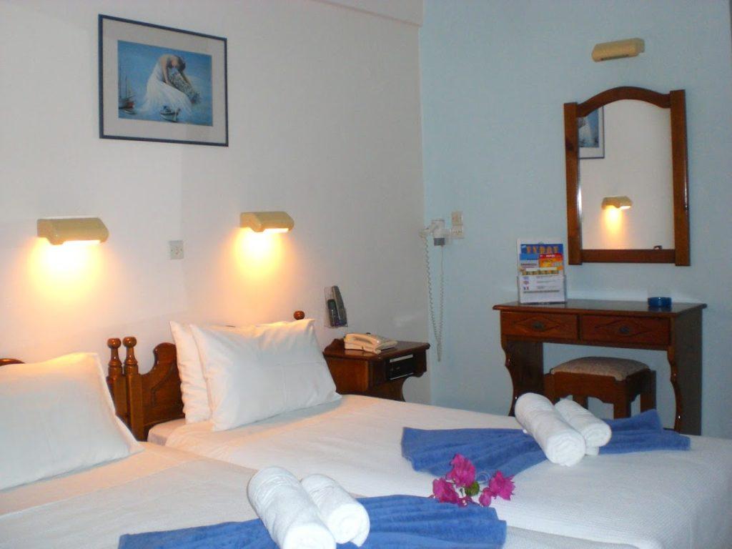 chambre hotel alkyon 1024x768 - Voyage en Grèce sur l'île de Syros