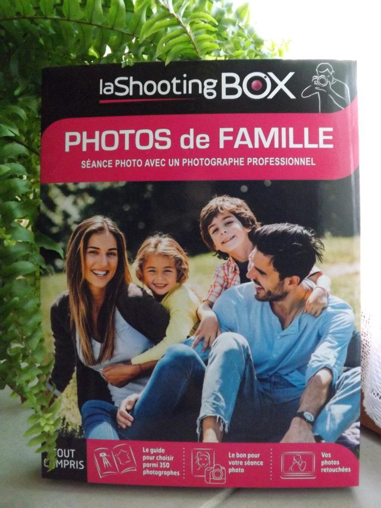 lashootingbox coffret photos de famille 768x1024 - Photos de famille : si on s'offrait une séance chez le photographe ?