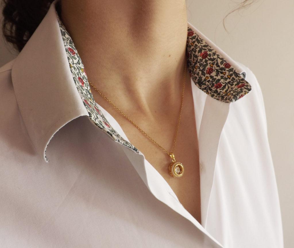 ghaum pendentif collier diamant dansant or 1 1024x862 - Le Diamant Dansant : une création signée Ghaum
