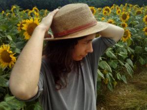 traclet chapeau champ de tournesols 300x225 - traclet-chapeau-champ-de-tournesols